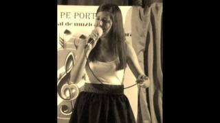 Download Andreea Vasile - Pe langa plopii fara sot Video
