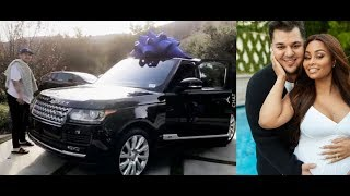 Download Blac Chyna is Mad that Rob Kardashian wont give her back her Range Rover after she gave back his car Video