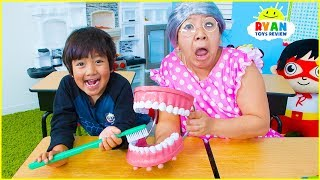 Download Back To School Ryan Pretend Play Learning Brush Teeth and Healthy Choices !!! Video