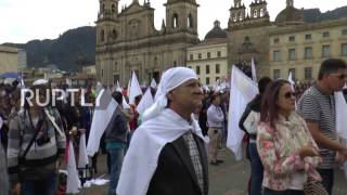 Download Colombia: Thousands wave white flags as FARC and govt. sign new peace deal Video