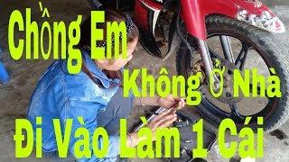 Download Gái Xinh Thay Má Phanh Đĩa Cho Xe - YAMAHA SIRIUS (Motorcycle Repair) Dương Văn Hiếu Vlog Video