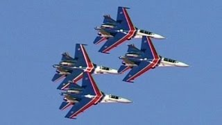 Download RUSSIAN KNIGHTS AEROBATIC TEAM [Русские Витязи] - 22 MINUTES OF PURE SUKHOI POWER! Video