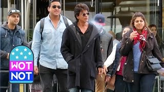 Download Bollywood King Shah Rukh Khan Strolls Around Vancouver, Canada Video