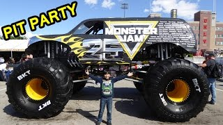 Download 2017 Monster Jam World Finals XVIII Awesome Pit Party Video