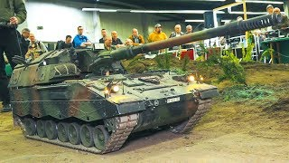 Download BIG SIZE RC MODEL TANK WITH 85 KG WEIGHT IN MOTION!! *RC MILITARY VEHICLE*RC PZH 2000 Video