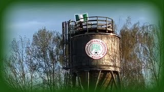 Download Nigeria Flagge auf Turm in LINZ-Ebelsberg hängen Video