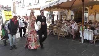 Download Pierre Casiraghi e Beatrice Borromeo elegantissimi a Capri Video