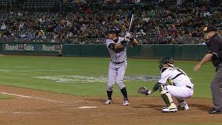 Download SEA@OAK: Ichiro singles to first, breaks Mariners hit record Video