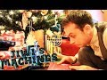 Download Jiwi's Machines - Christmas Special! Video