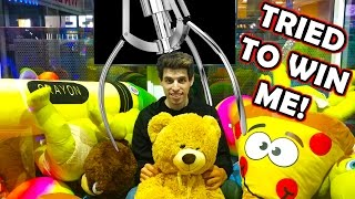 Download I GOT LOCKED INSIDE A CLAW MACHINE! Video