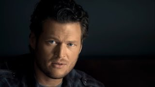 Download Blake Shelton - Who Are You When I'm Not Looking Video