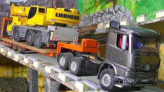 Download RC Crane Transport! Loses hydrulic oil! Rc Trucks! RC Machines! RC Action! RC Video