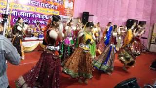 Download ASHA VAISHNAV GARBA -DHOL BAJE RE..AT SOWCARPET (M.J.K) MANGILAL Video