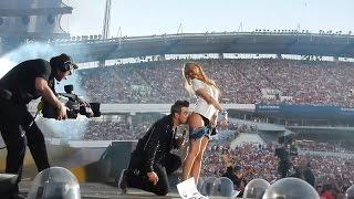 Download Скандално яки целувки между звезди и фенове Video