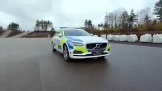 Download Här vrålkör polisen med Volvo V90 Video