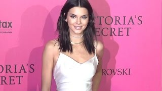Download Kendall Jenner looks STUNNING at Victoria's Secret Fashion Show 2016 Video