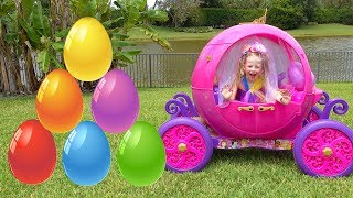 Download Stacy e papai colecionam surpresas e brinquedos Video