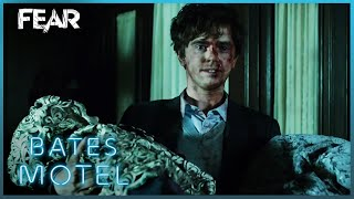 Download Norman Takes Norma's Body Back To The Motel   Bates Motel Video