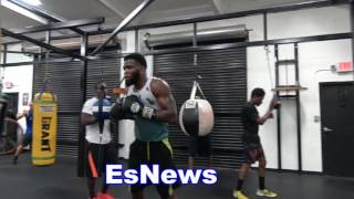 Download Floyd Mayweather Sparred A MMA Fighter And Stopped Him McGregor Will Have Same Fate Video