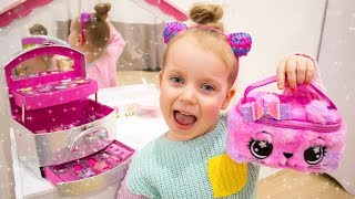 Download Gaby Pretend Play Dress Up and MakeUp Toys for Girls Video