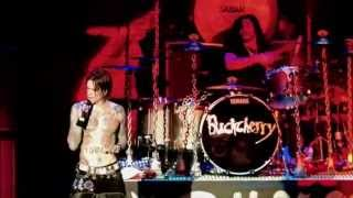 Download Buckcherry - Crazy Bitch (Live - Crue Fest) Video