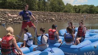 Download Kate Faces Her Fears And Goes Whitewater Rafting   Kate Plus 8 Video