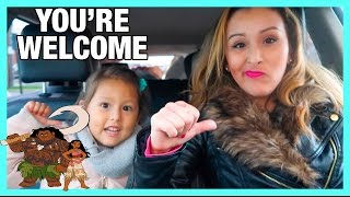 Download MOTHER AND DAUGHTER SING DISNEY'S MOANA YOU'RE WELCOME Video