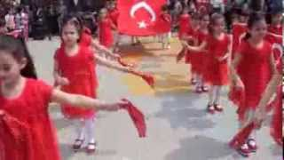 Download 23 Nisan gösterisi Hoş gelişler Ola Hatice Fahriye Eğinlioğlu İlkokulu 1/C sınıfı Video