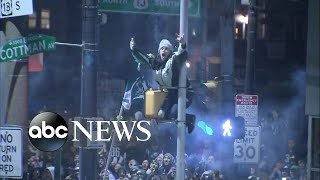 Download Eagles fans celebrate in the streets after Super Bowl win Video
