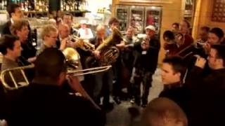 Download Wycliffe Gordon and Mnozil Brass Impromptu Jam Session Video