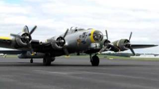 Download B-17 Engine Startup Smyrna, TN Video