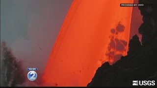 Download Sudden cliff collapse highlights danger of Kilauea's volatile lava flow Video