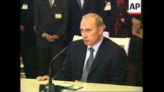 Download Malaysia's Mahathir in talks with Putin - 2002 Video