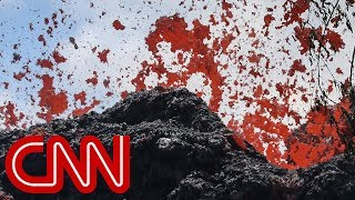 Download New lava fissures fuel fears of eruption in Hawaii Video