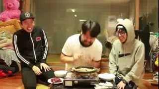 Download [돌판 삼겹살 먹기] - Stone pan eating pork 쿠쿠크루(Cuckoo Crew) Video