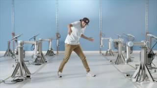 Download Universal Robots - Robot dance Video