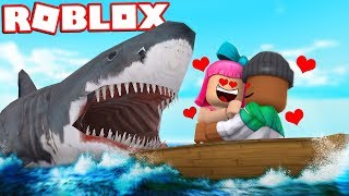 Download COUPLE ATTACKED BY SHARK IN ROBLOX Video