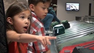 Download 1st Airplane Trip - EvanTubeHD flies to LEGOLAND! Video