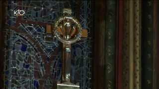 Download Arrivée de la procession et messe à la Sainte-Chapelle Video