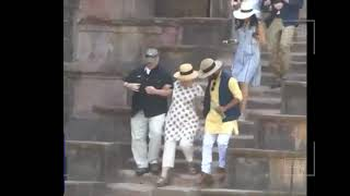 Download Hillary Clinton falls down stairs in India two times Video