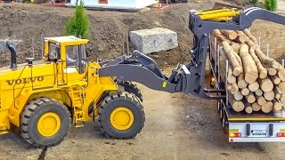 Download RC MONSTER! Huge Volvo wheel loader in GIANT 1/8 scale works hard! Video