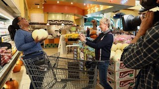 Download Ellen & Oprah Take Over a Grocery Store Part 1 Video