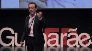 Download Pensar Fusão: Carlos Moura at TEDxGuimarães Video