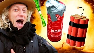 Download Blowing Up A Fire Extinguisher With DYNAMITE!! Video
