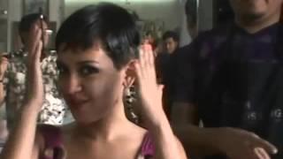 Download Valeria Video