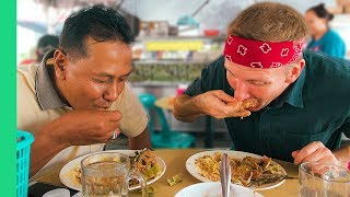 Download Local Malaysian Feast! - Asking Malay Taxi Drivers Where to Eat in Kuala Lumpur Video