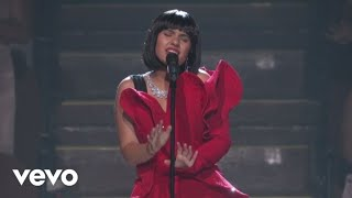 Download Alessia Cara - Scars To Your Beautiful (Live At The MTV VMAs / 2017) Video