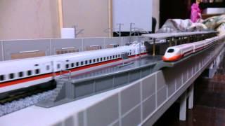 Download N規鐵道模型 2015.02.03 台灣高鐵列車高鐵台中站離站 Video