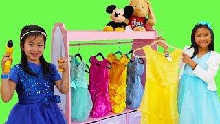 Download Wendy & Jannie Pretend Play Princess Dress Up w/ Pink Closet Girl Toys Video