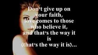 Download THAT'S THE WAY IT IS (LYRICS) - CELINE DION Video